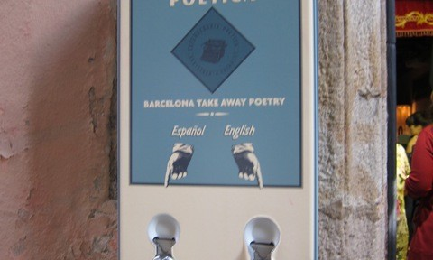 Take away Poesie in Barcelona - Automat der Expendeduria Poetica